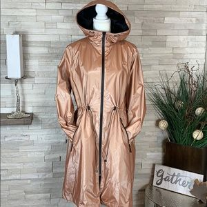 Bernardo NWT Large Metallic Pink Lined Rain Coat